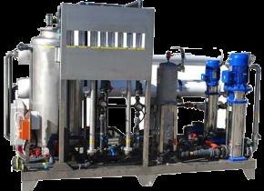 Impianto ad osmosi inversa in doppio stadio conducibilità permeato inferiori a 2 µS/cm (con ingresso inf. di 1000). Double stage reverse osmosis system permeate conductivity < 2 µS/cm (with input < 1000).