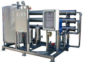Impianti ad osmosi inversa con portata oraria di 8000 lt. Reverse osmosis systems with hourly flow rate from 8000 liters.